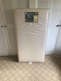 """Sealy Soybean Foam-Core Infant/Toddler Crib Mattress - Hypoallergenic Soy Foam, Extra Firm, Durable Waterproof Cover, Lightweight, Air Quality Certified Foam, Design Pattern May Vary, 51.7"""" x 27.3 20 mi"""