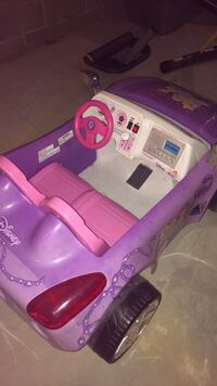 purple and pink Disney Princesses ride on toy 205 mi