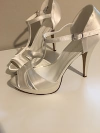 pair of gray leather open-toe ankle strap heels Federal Way, 98023