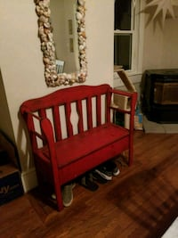red and white wooden armchair Pylesville, 21132