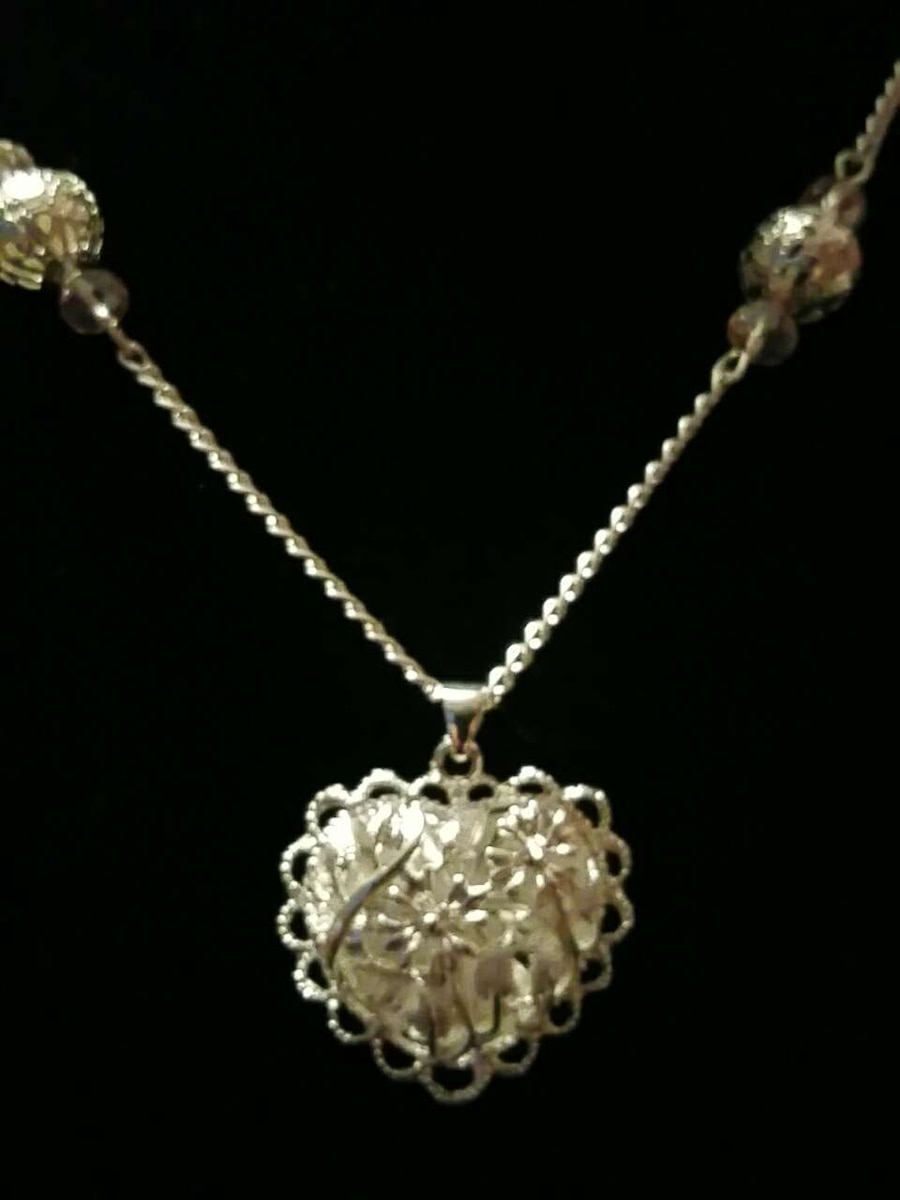Beautiful homemade heart necklace