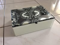 Mirrored jewelry box  Laval, H7N 2T9