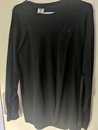2 crooks and castles, black long sleeve shirts  London, N5V 4N5