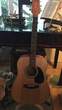 Acoustic guitar package, excellent condition Los Angeles, 90291