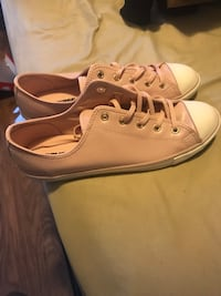 Converse shoes for women size 10