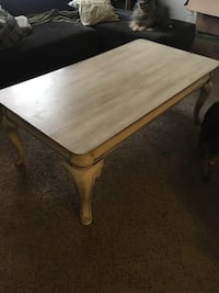 Cream distressed coffee table  Midwest City, 73110