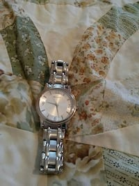 round silver-colored analog watch with link bracelet Manchester, 03104
