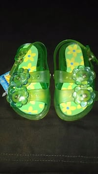 Toddler sandals * new! * Size 5/6