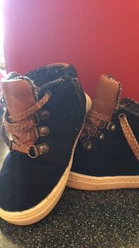 size 7 cat and jack toddler shoes  Fremont, 27830