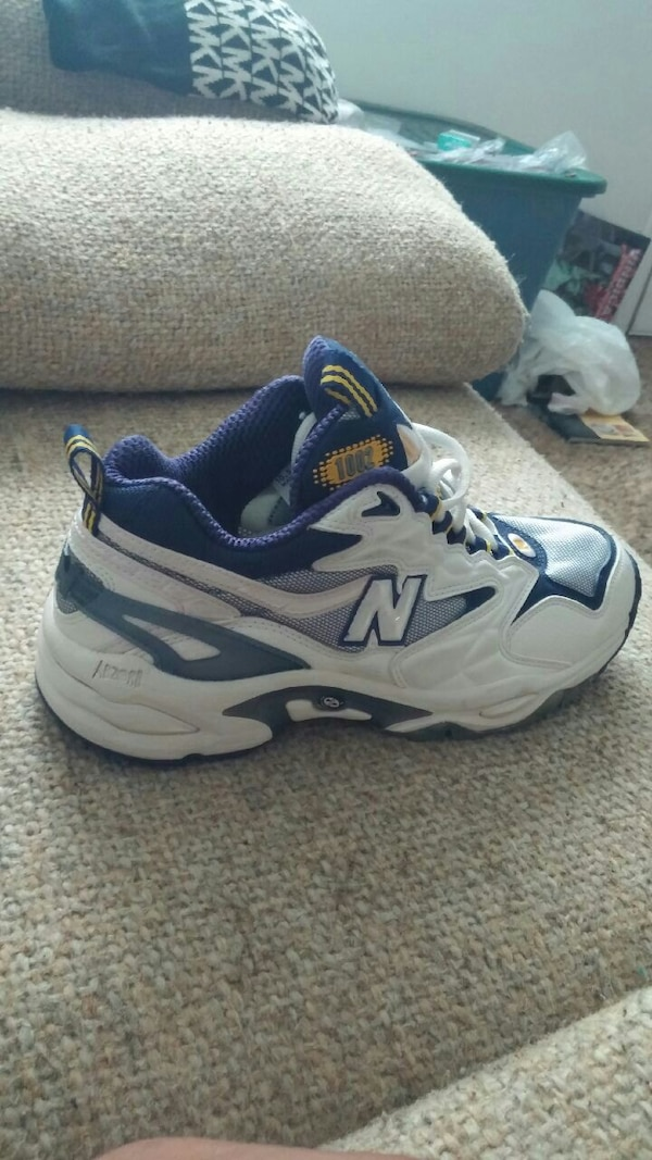 0610cecbfb3a Used unpaired of white and blue New Balance shoes for sale in Lubbock -  letgo