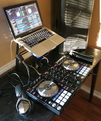 Pioneer DDJ SR (Used) & Macbook Pro (Used)