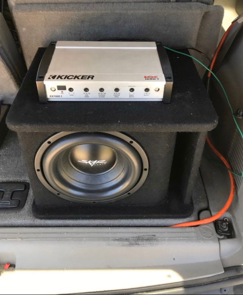 Photo Skar Audio 10inch Subwoofer & Kicker mono Amp