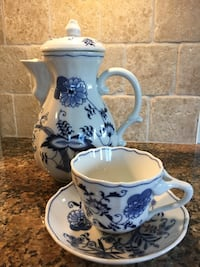 Blue Danube coffee pot and cups and saucers Mississauga, L5C 4J5