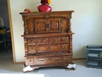 Matching dressers 125 for 1 or 200 for the pair Neenah, 54956