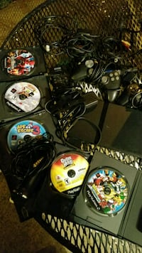 Ps2 w/2 controllers 2/memory cards cords and 11 ga Manassas, 20110