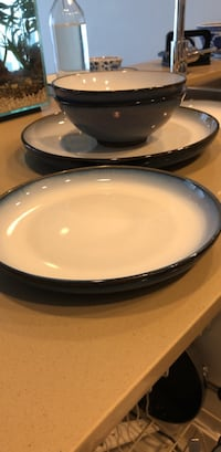 Set up blue/white plates and bowls  Vancouver, V5R