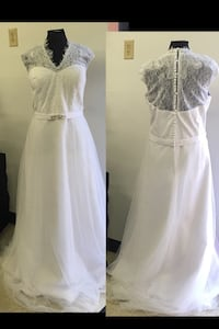 New With Tags Size 18 Wedding Gown $200