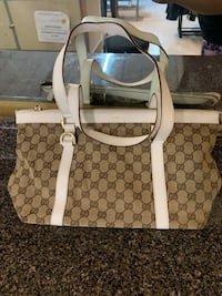 Authentic Gucci Abbey Tote Laredo, 78046