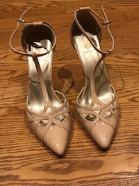 Women's beautiful daily heels size 8 Mississauga, L5V