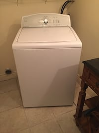 White top-load clothes washer Dollard-des-Ormeaux, H9B 2B1