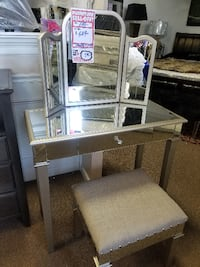 VANITY SET WITH STOOL brand new West Babylon