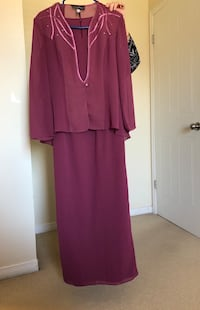 Beautiful out going dress size 8 Montreal, H1J 1G2