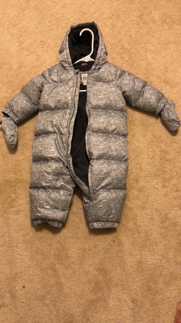 ae092b15c Used Baby GAP snowsuit 12-18 months for sale in Dover - letgo