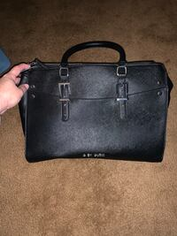 Guess purse & wallet South Bend, 46601