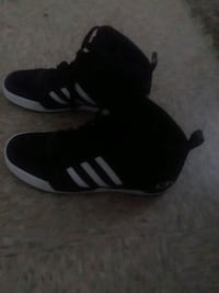 pair of black-and-white Adidas sneakers Lubbock, 79414