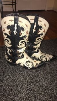 Lucchese Cowboy Boots 9.5B