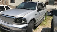 Ford - Expedition - 2000 Clarksville