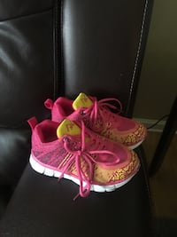 Pink and yellow toddler shoes Opelousas, 70570