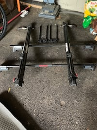 Yakima roof rack w/2 bike attach.  Fits any roof with stock side rails