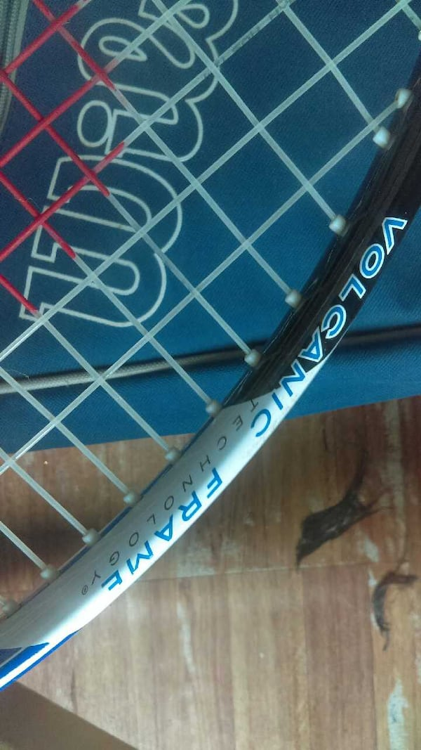 Brand new with case tennis racket  62ed395d-558d-4862-92f6-6fb004fc761c