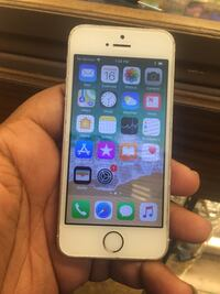 gold iPhone 6 with brown case Cleveland Heights, 44118