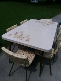Vintage table and 6 chairs with leaf Calhoun, 30701