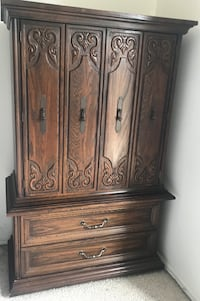 Matching Wood Dresser and Nightstand Alexandria, 22303