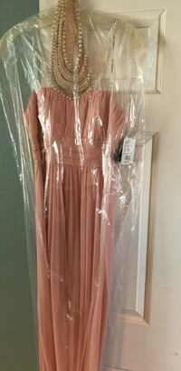 pink tube dress and silver-colored necklace Ceres, 95307