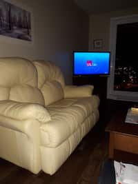 Used Black Leather 2 Seat Sofa For Sale In Québec Letgo
