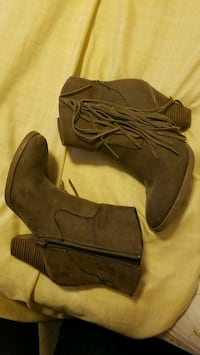 pair of grey suede fringe boots Stockton, 95206