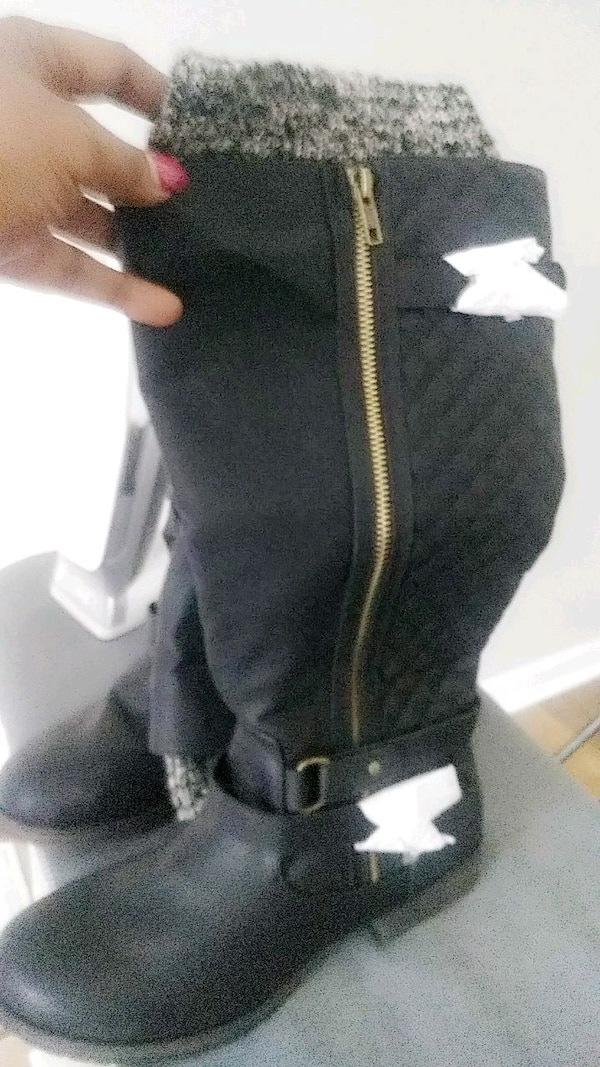 Used Black boots with a zipper on the side for sale in Stockbridge ... a89a17291