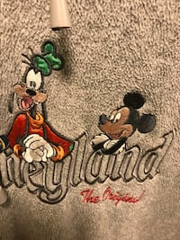 Disneyland Authentic Men's Fleece 1618 mi