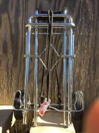 LUGGAGE CARTS/CARRIERS