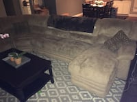Sectional couch Bakersfield, 93306