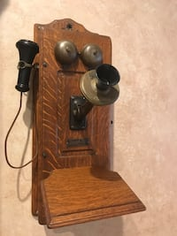 Monarch antique wall telephone