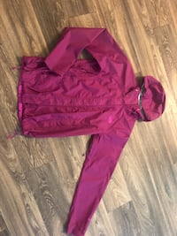 Magenta NorthFace (size small) Federal Way, 98023