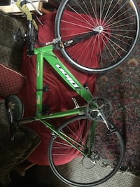Triathlon bike needs some tlc but worth the price...asking $500 or trade for digital vlog camera  London, N5W 3L3