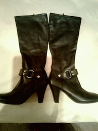 pair of black leather knee-high boots Southaven, 38671