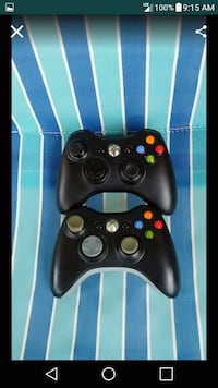 2 Xbox360 Wireless Controllers