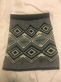 Black and white patterned skirt- Size M Toronto, M5T 2P4